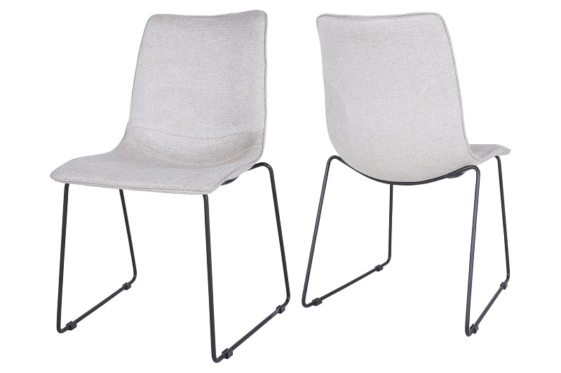 Delta spisebordsstol med lysegrå polster fra Canett på unoliving.com