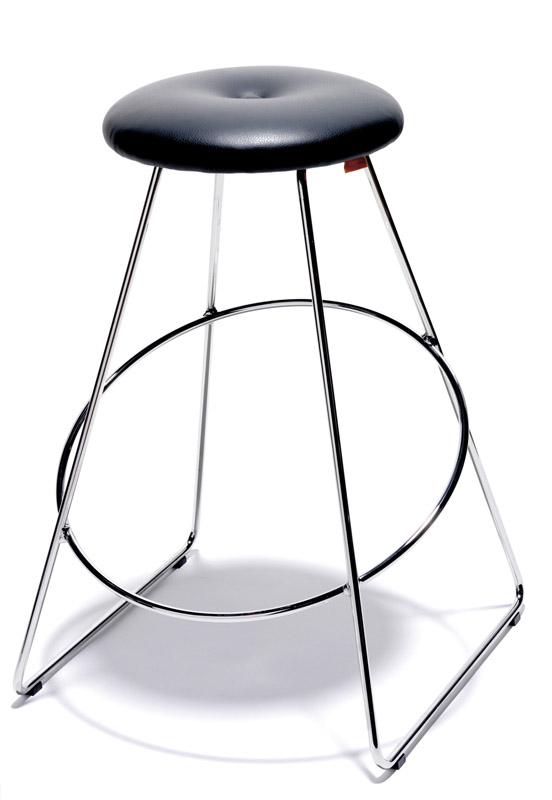 Design by us clown kitchen barstol - sort fra Design by us fra unoliving.com