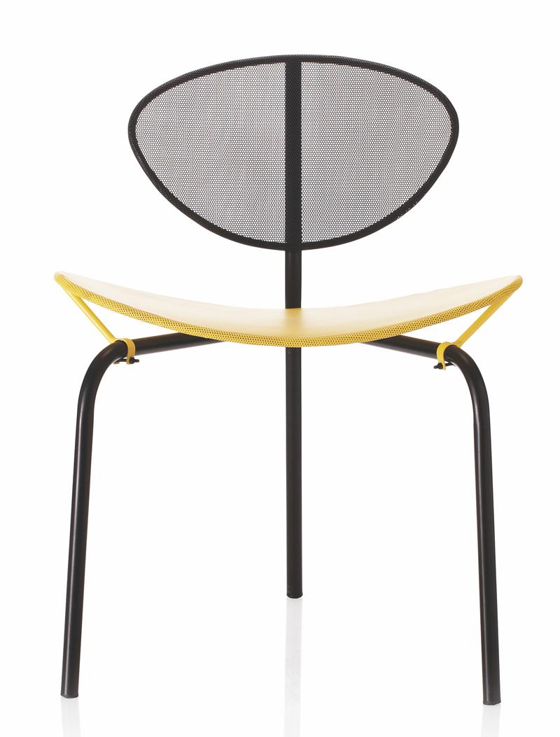 Gubi - nagasaki spisebordsstol - sort/gul fra Gubi fra unoliving.com