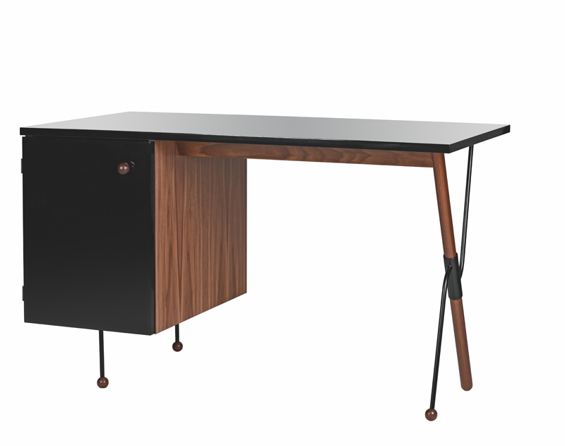 Gubi Gubi - grossman 62 - skrivebord i valnød på unoliving.com