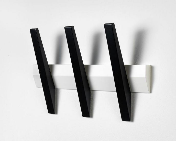 Tangent 3  Knagerække - Hvid/sort - 3 knager i sort