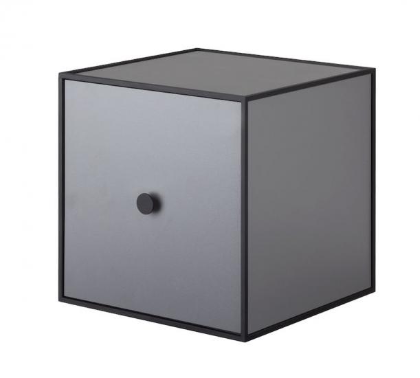 by Lassen - Frame 28 inkl. låge mørk grå