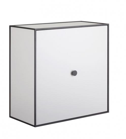 by Lassen - Frame 42 m/Låge - Lys grå - Reol i lysegrå med låge