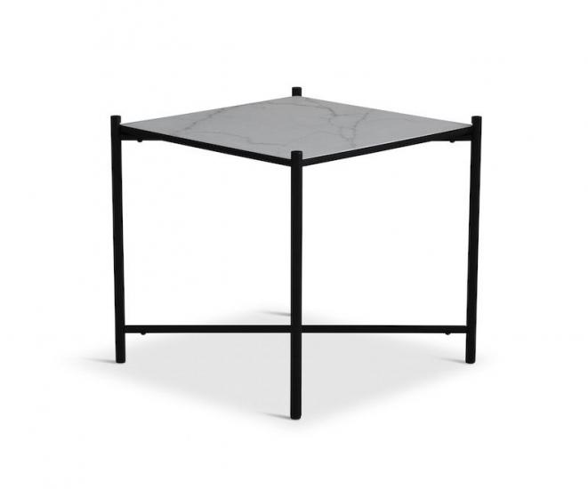 HANDVÄRK Sidebord 48x48 - Hvid Marmor, sort stel