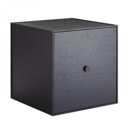 by Lassen - Frame 35 m/Låge - Sort bejdset ask - Reol i sort med låge