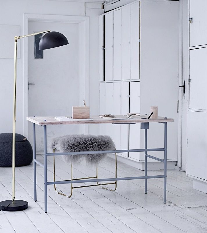 Bloomingville Study Skrivebordhjem - Lystræ - Skrivebord i lyst tre og metall