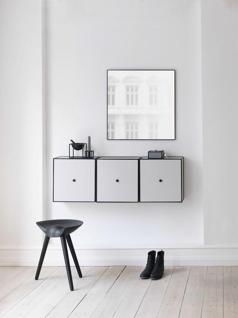 by Lassen - Frame 42 m/Låge - Hvid - Reol i hvid med låge