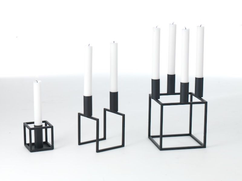 by Lassen - Kubus 1 Lysestage - Sort - Sort lysestage i metal