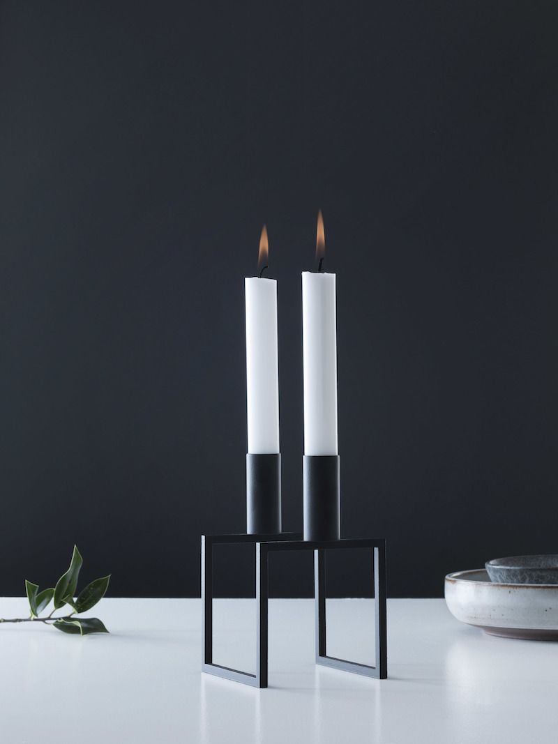 by Lassen - Line Lysestage - Sort - Sort lysestage til to lys