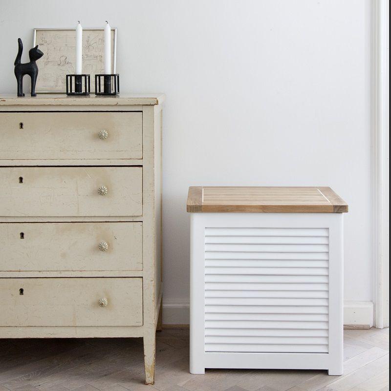 Vasketøjskurv Lille - Hvid - Teak - Hvid vasketøjskurv med teak