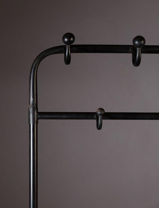 Dutchbone - Lucius Tøjstativ - Sort - Sort garderobestativ med to hyller