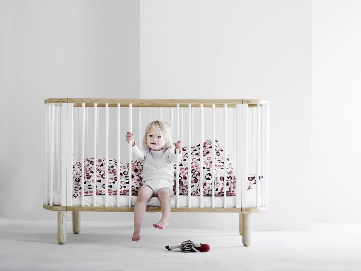 FLEXA - Baby Tremmeseng - Hvid/Bøg - Hvid tremmeseng i massiv bøg