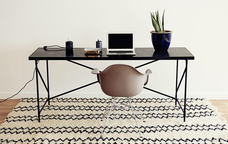 HANDVÄRK - Skrivebord 180x62- Sort Marmor, messing - Skrivebord i sort marmor