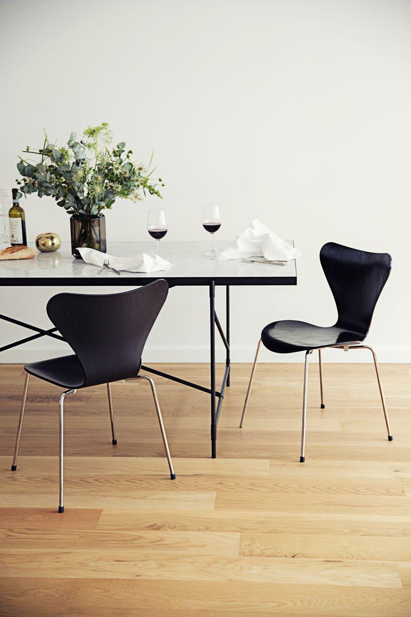 HANDVÄRK - Spisebord 230x94 - Hvid Marmor, sort - Spisebord med hvid marmor