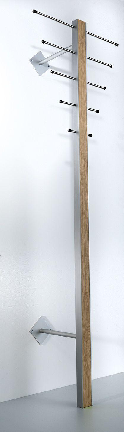 Milano ST-1 Stumtjener - Stående knagerække i aluminium og olieret eg