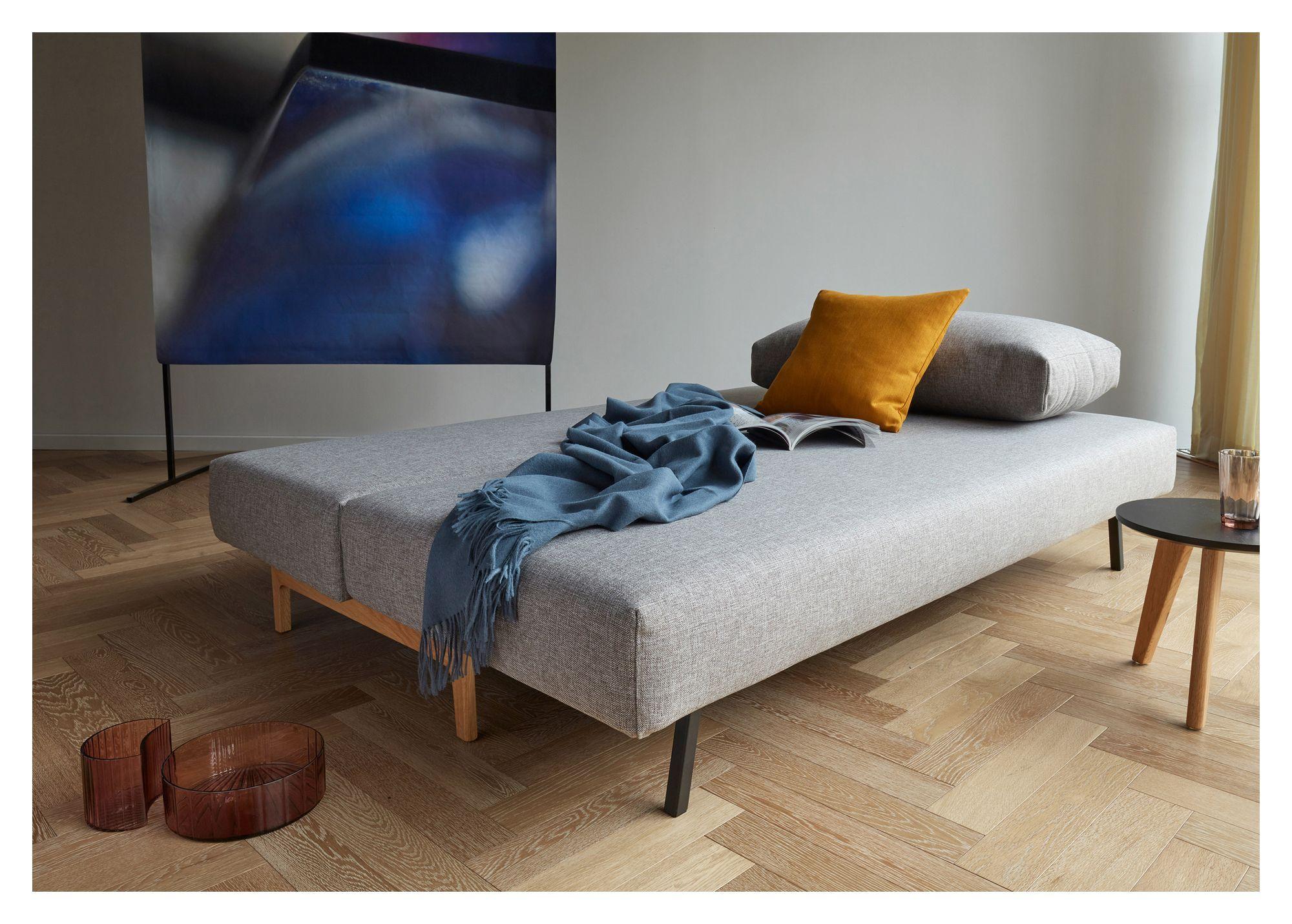 Innovation Living - Trym Sovesofa m. egeben, Grå - Grå sovesofa med egetræsben