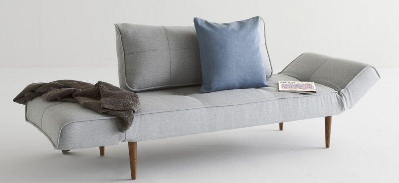 Innovation Living - Zeal Sovesofa - Lys Grå - m. Styletto ben mørk træ