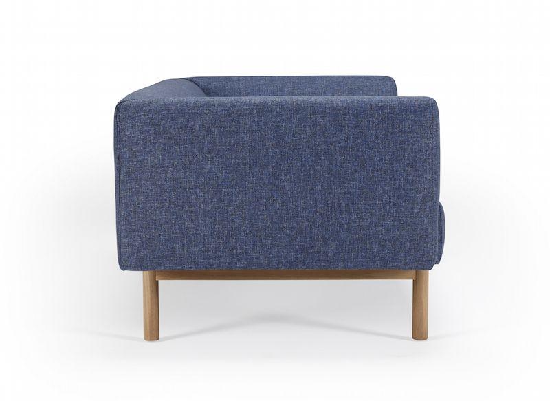 Kragelund Ebeltoft 2-pers. sofa Blå - Helpolstret sofa med egeben