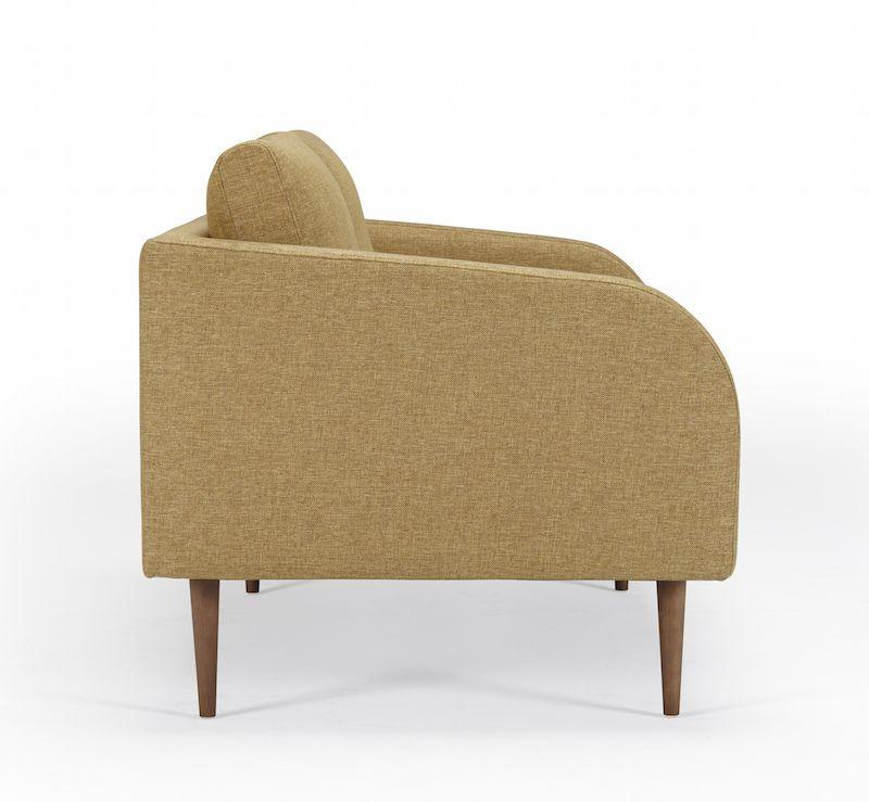 Kragelund Husum 2-pers. sofa Gul - Helpolstret sofa med ben i valnød