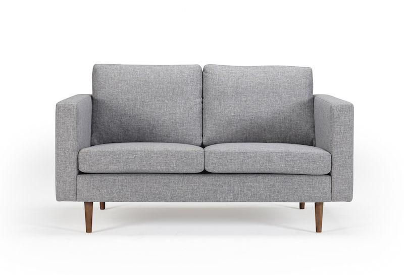 Kragelund Obling 2-pers. sofa Grå - Helpolstret sofa med ben i valnød