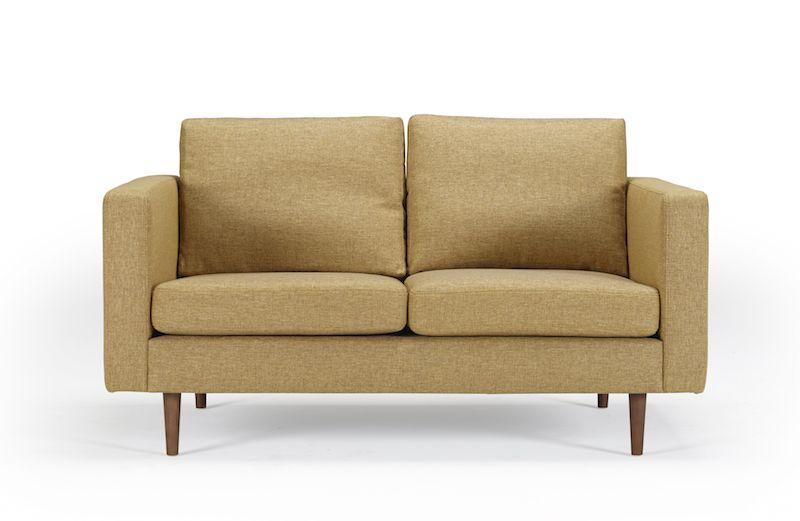 Kragelund Otto 2-pers. sofa Gul - Helpolstret sofa med ben i valnød