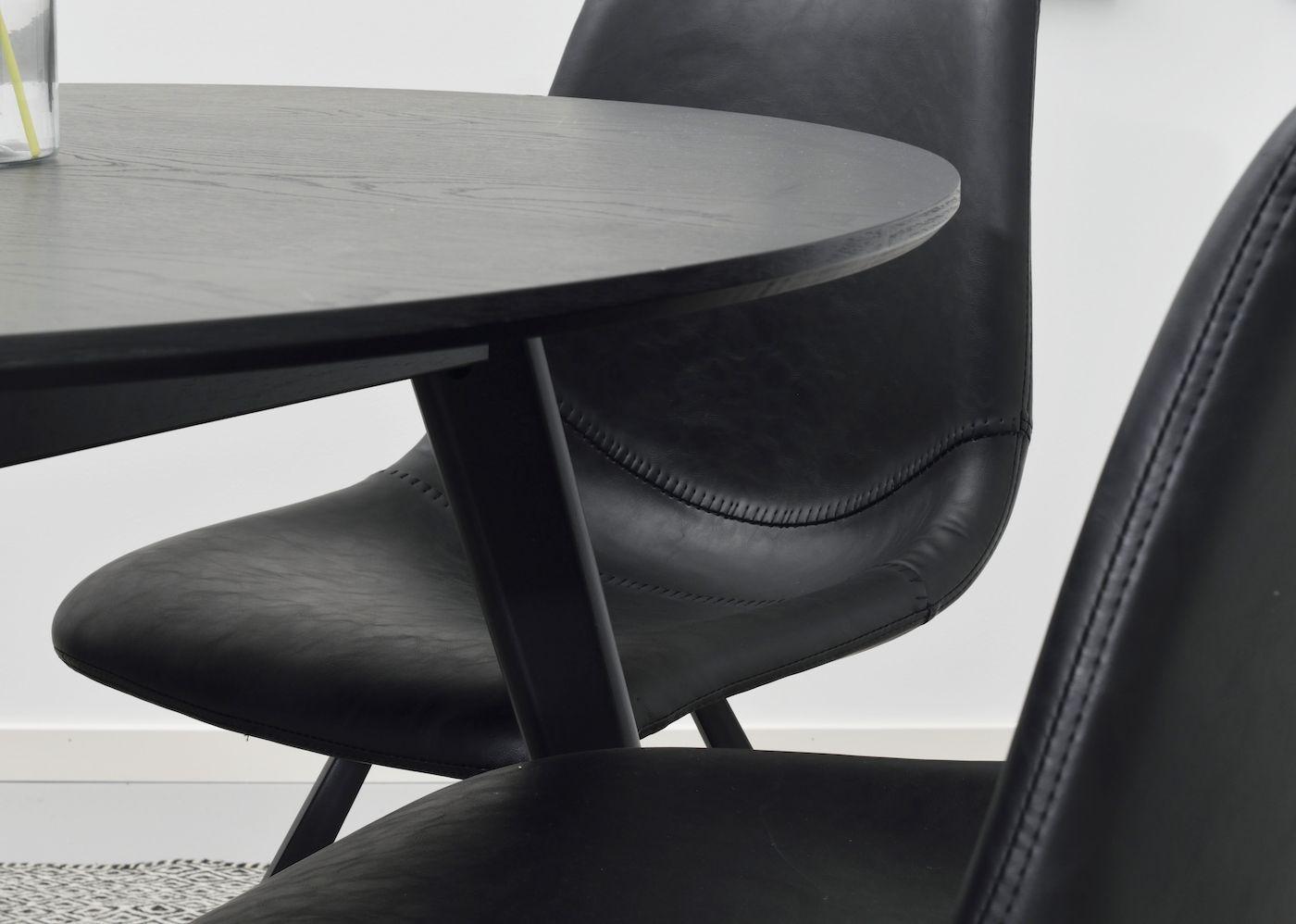 Yumi Spisebord - Sort - Ø115 - Rundt sortbejdset bord - 115 cm