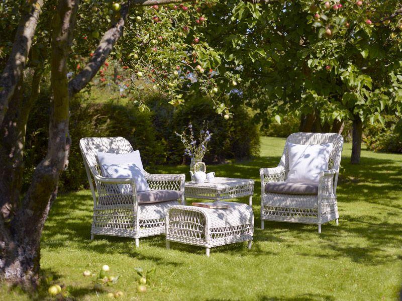 Sika-Design Dawn Fodskammel - Hvid Rattan - Georgia Garden