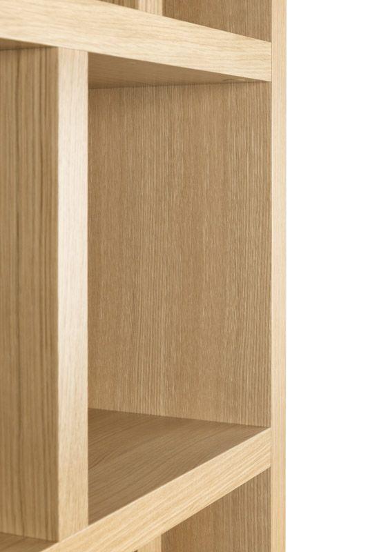 Temahome - Berlin Reol - Lys træ - Smart og funktionel høj reol med 10 rum