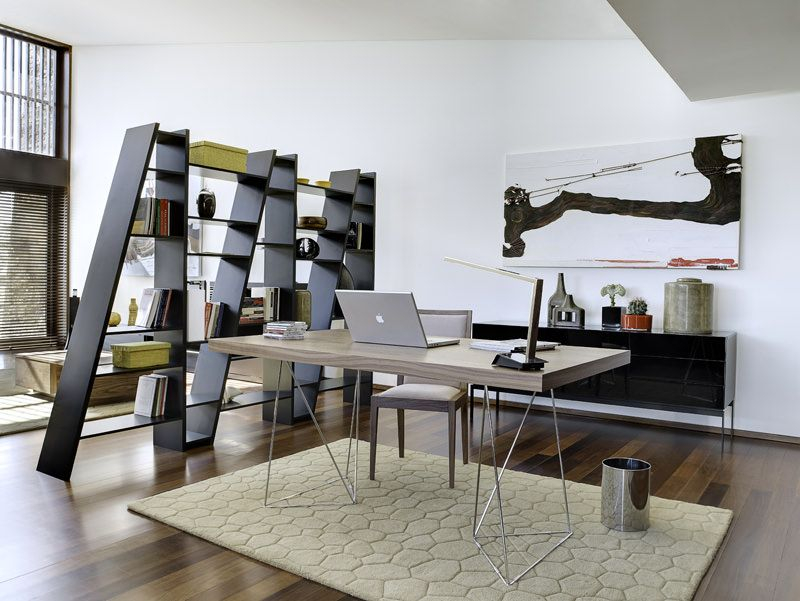 Multi Skrivebord - Valnød - Skrivebord med valnøddefinér