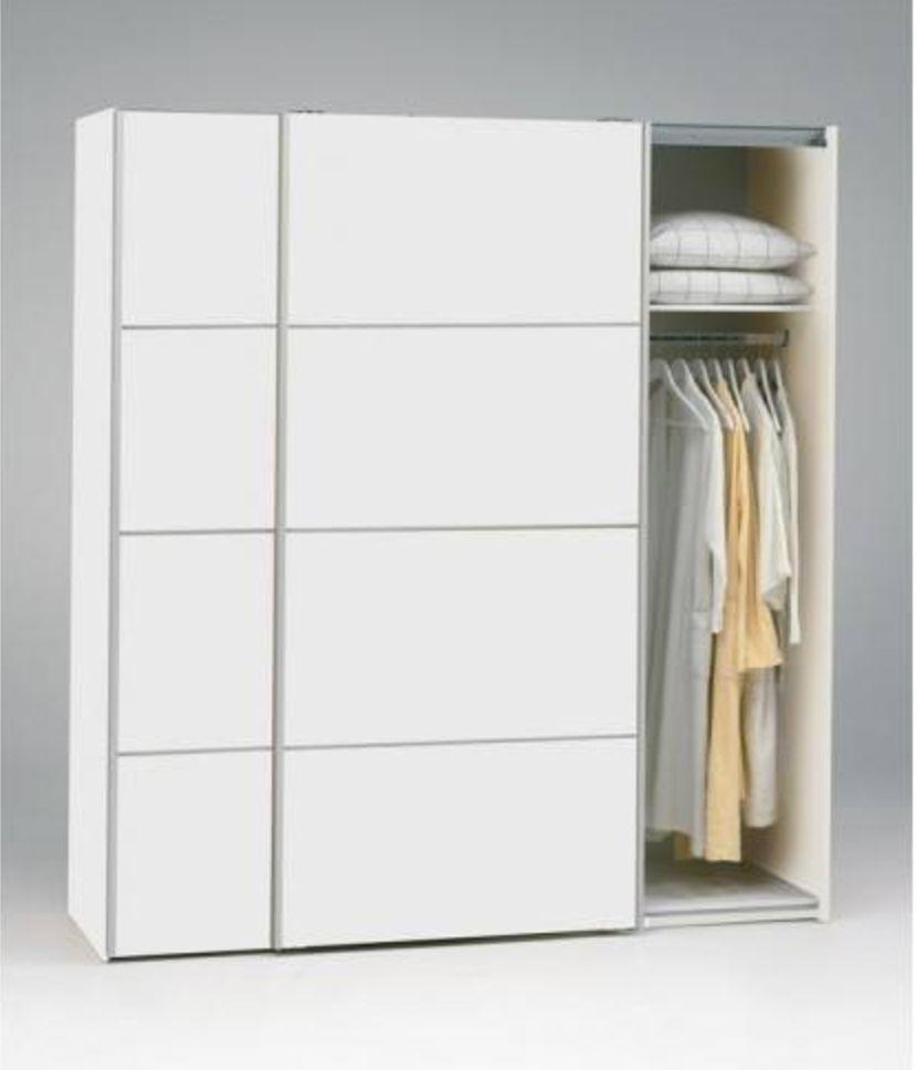 Verona Garderobeskab - Hvid m/skydelåger - Garderobeskab i hvid med skydelåger