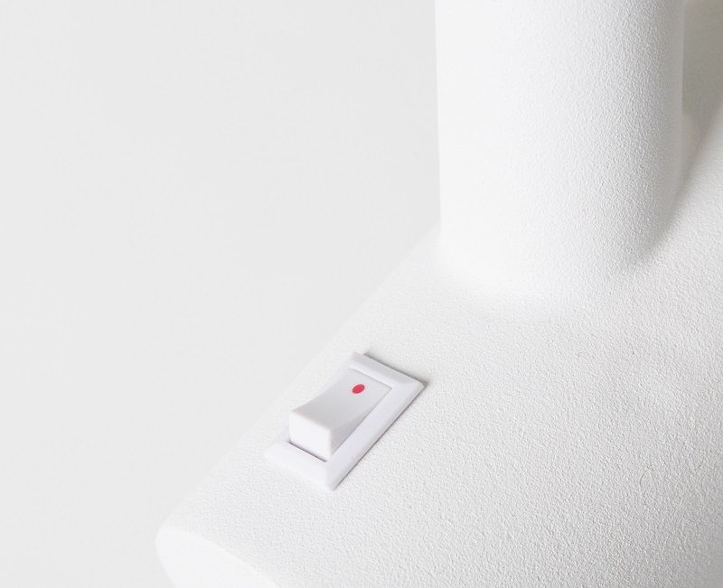 Zuiver Ivy Bordlampe - Hvid/messing - Hvit bordlampe med messingskjerm
