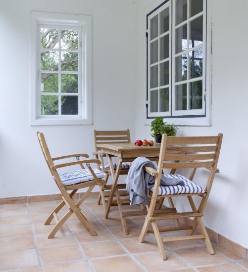 Cinas York Havemøbelsæt - Sæt med bord & 4 stole