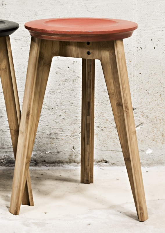 We do wood We do wood button stool - rustrød på unoliving.com